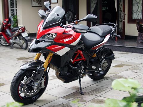 Ducati Multistrada 1200S Pikes Peak đầu tiên về Việt Nam